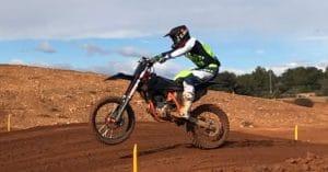 Sechs Wochen nach der OP wieder auf dem Motocross-Bike